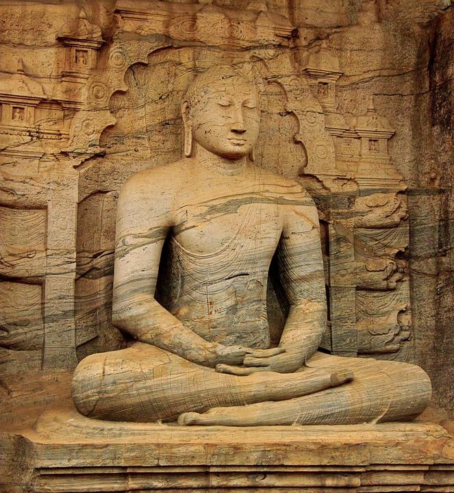 Buddha seduto Sri Lanka